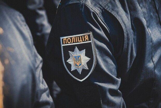 Поліцейський відкрив стрілянину по своїх колегах (Фото)