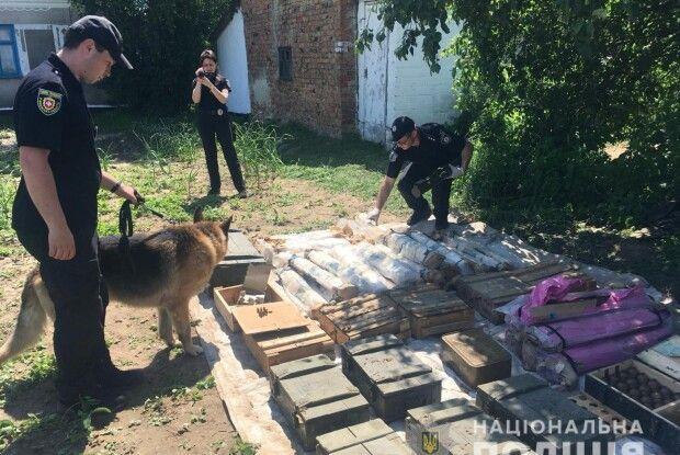 В садку у Сіянцях знайшли схрон боєприпасів (фото)