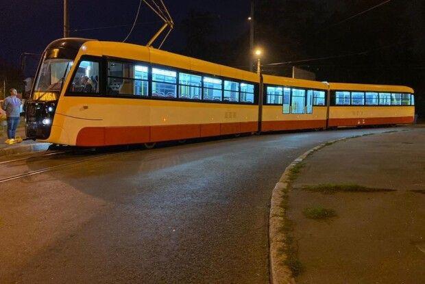 В Україні випробували 31-метровий трамвай