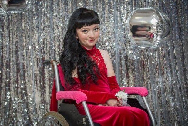 Рівненська студентка-волинянка стала фіналісткою всеукраїнського конкурсу краси для дівчат з інвалідністю