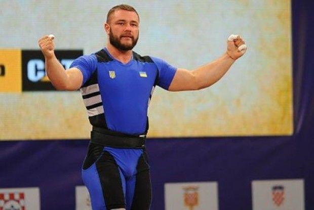 Українець Чумак виграв три золоті медалі на ЧЄ з важкої атлетики