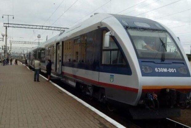Ковельські депутати просять керівництво держави посприяти у відновленні потяга «Здолбунів-Ковель-Хелм»