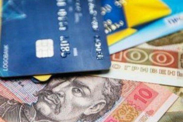 Шахрайство: липові банкіри видурили у двох волинян 27 тисяч гривень