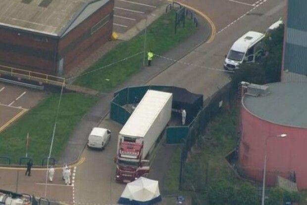 Британська поліція знайшла вантажівку... з 39 трупами
