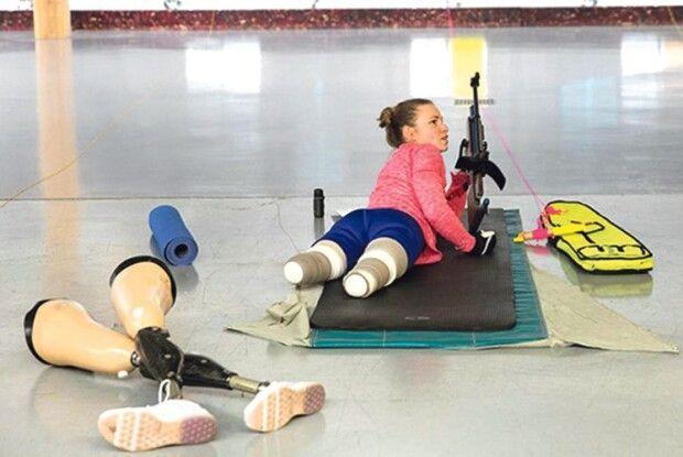 Американська українка стала чемпіоном і показує нашим солдатам у госпіталі, що життя із втратою ніг  не закінчується