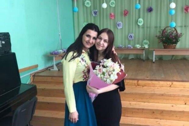 Талановита випускниця отримала сукню від відомої співачки