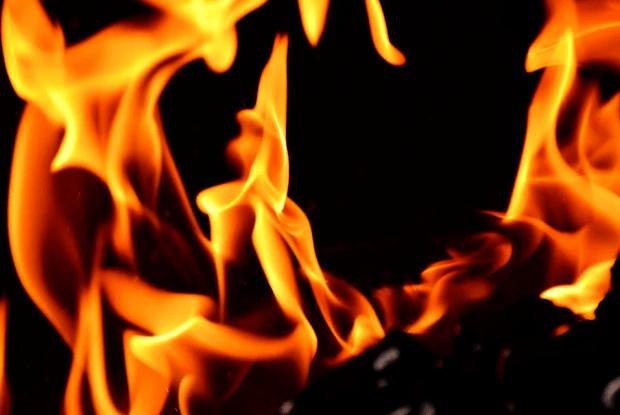 Горохівчанин отримав серйозні опіки, коли гасив пожежу у своїй хаті