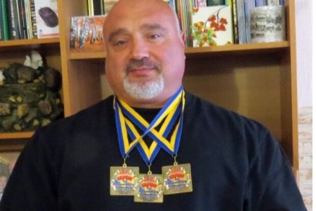 Священик став десятикратним чемпіоном світу з пауерліфтингу