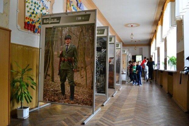 Виставка «Воїни. Історія українського війська» знову завітала в Луцьк