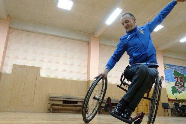 Неймовірні танці рівнянина принесли йому в Італії три «золота» Кубка світу з танців на візках (Відео)