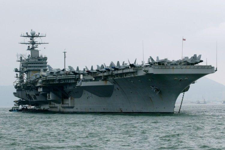 Авіаносець США прямує до берегів Північної Кореї