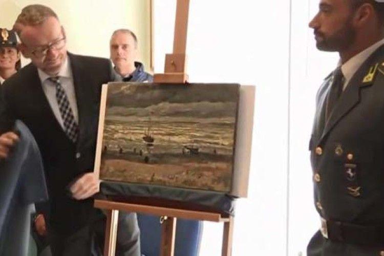Викрадені картини Ван Гога з будинку ватажка мафії повернули до музею