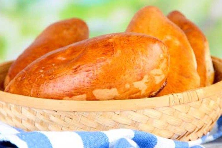 Пісні пиріжки з капустяно-яблучною начинкою