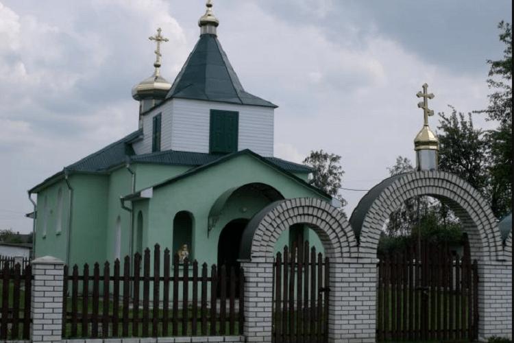 Парафіяни волинського храму хочуть поговорити з настоятелем, який привітав Путіна з днем ангела