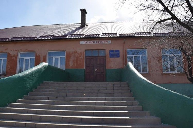 На Рівненщині вирішили перетворити школу… в дитячий садок (фото)
