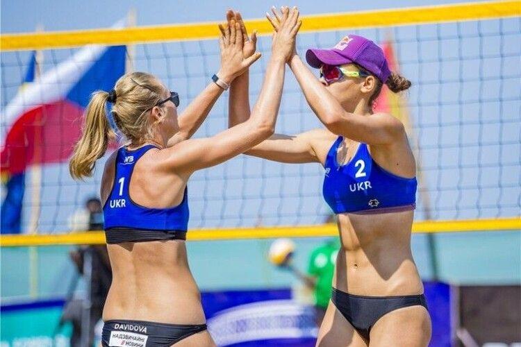 Пляжний волейбол: визначились українські півфіналістки на турі в Руанді (Трансляція)