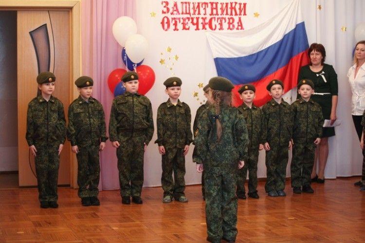 Агресора треба виховувати змалечку – в Росії тепер беруть у «спецназ» навіть дошкільнят (фото+відео)