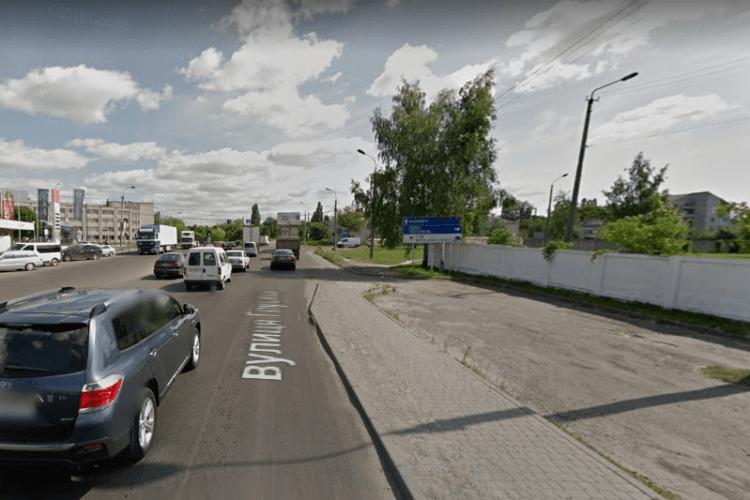 На дубнівському перехресті у Луцьку зіткнулися чотири авто (Фото)