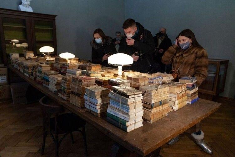 Бібліотеку «Гомера Гуцульщини» повернули з Німеччини до України