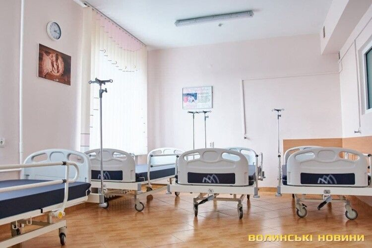 На Волині в лікарні, яку виключили з переліку ковідних, продовжують лікувати пацієнтів із COVID-19