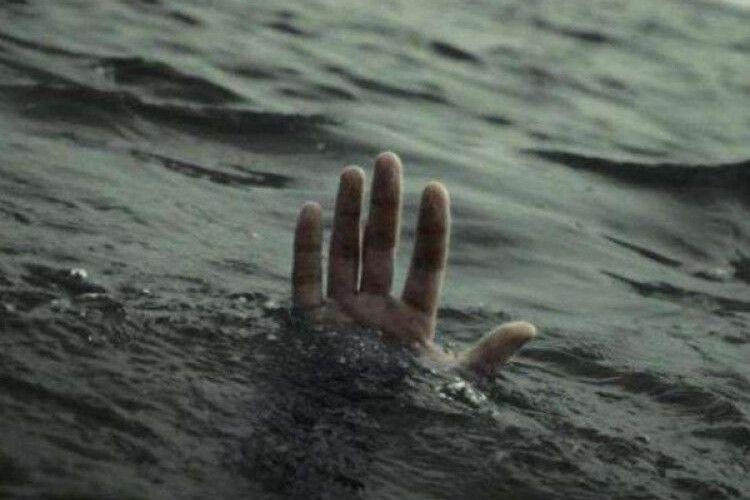 В озері на Волині втопився 18-річний хлопець