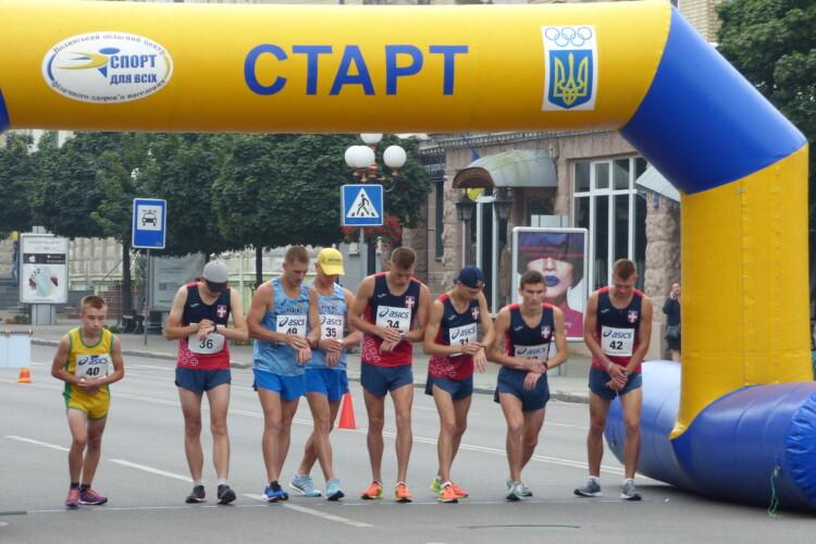 «Луцька десятка» вп'ятнадцяте зібрала кращих скороходів України (Відео)