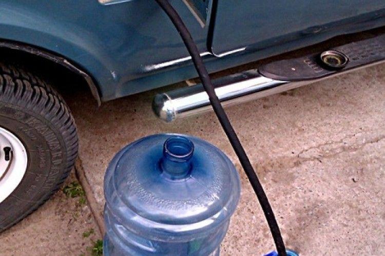 Лучани стережіться: з автомобільних баків зливають бензин