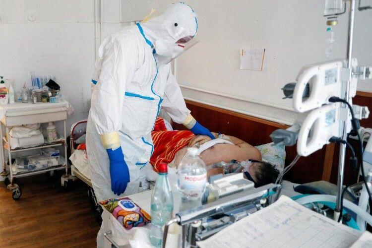 Дуже висока смертність: інфекціоніст розповіла про фатальні помилки під час лікування коронавірусу