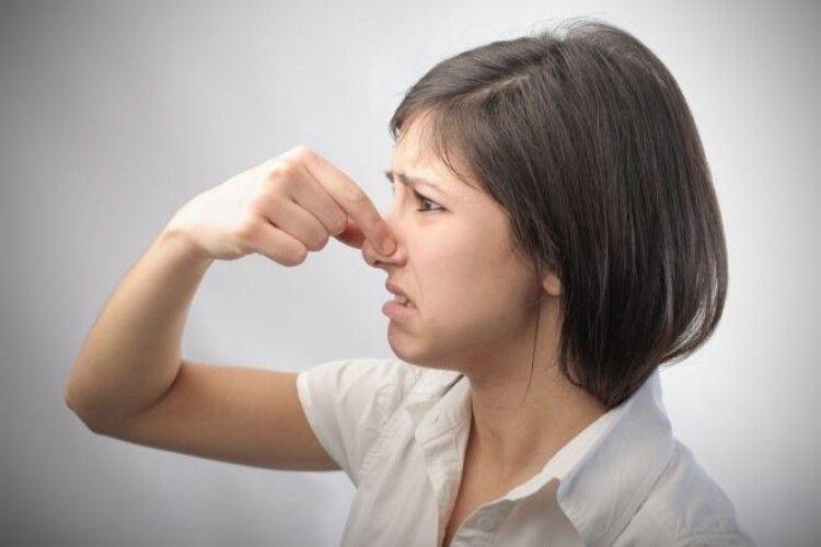 У Луцьку борються з неприємним запахом
