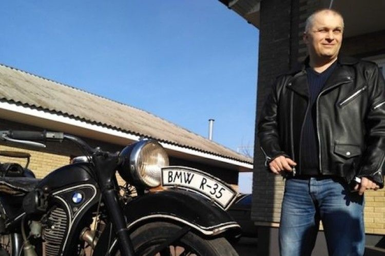 На Черкащані чоловік колекціонує унікальні мотоцикли