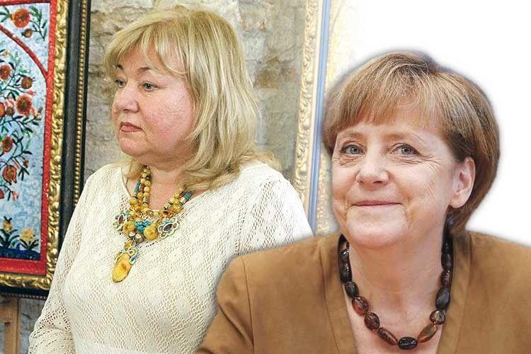 На Ангелі Меркель— рівненський бурштин?