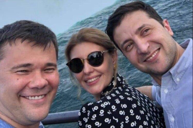 Щоб в українців з'явився шанс вижити, Зеленський має зняти питання закупівлі вакцин з особистого контролю, – Богдан