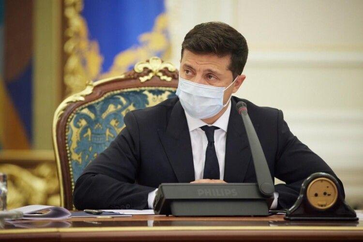 Зеленський видав указ: до кінця року вакцинувати від коронавірусу більшість українців