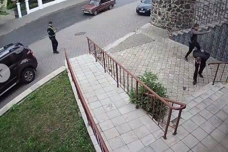 Волинянин, який напав на муніципалів, вислухав вирок (Відео)