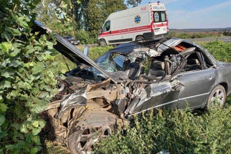 На виїзді з волинського міста сталася ДТП: водій в реанімації у важкому стані