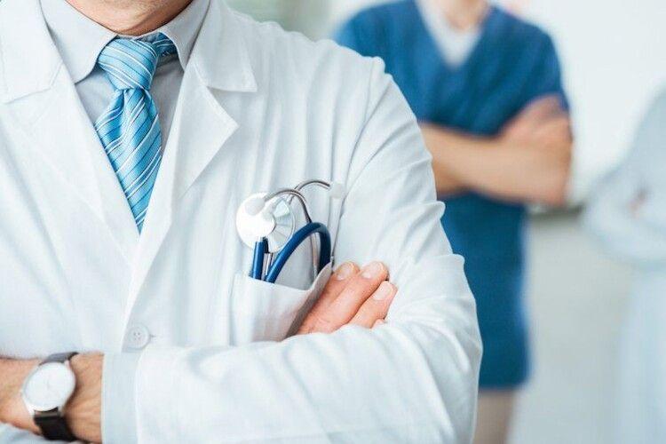 Понад половина українців не звертається в державні лікарні (Опитування)
