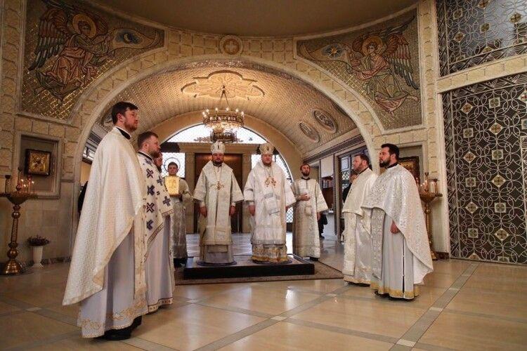 Єпископ Володимир-Волинський і Турійський молився у столиці за жертв Голодомору