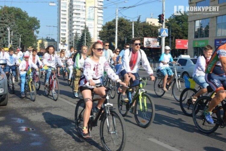Луцькі любителі крутити педалі вимагають звернути увагу на проблеми велосипедистів