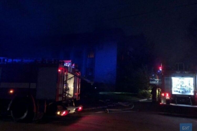 Знову виникла пожежа у приміщенні колишнього банку в Нововолинську