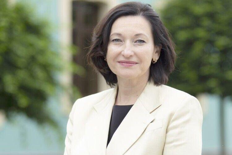 Народний депутат Ірина Констанкевич привезла зі столиці понад мільйон гривень на поліський спорткомплекс