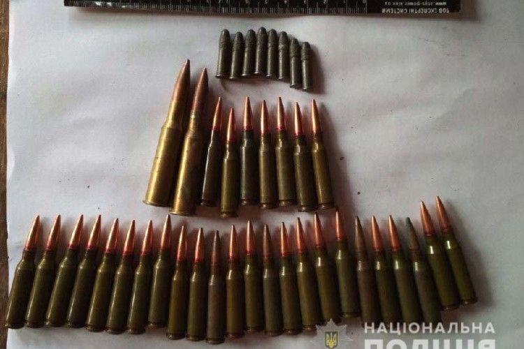 Обріз, патрони та ще й запал до гранати вилучили у жителів Рівненщини