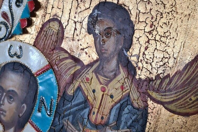 У монастирі 12 апостолів на Волині замироточила ікона (Фото)