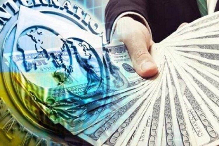 Чому Україні не дають чергового  фінансового траншу?