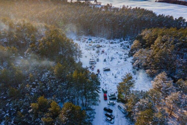 У«Волинські Карпати» на вихідні з'їжджалися машинами, щоб відпочити (Фото)