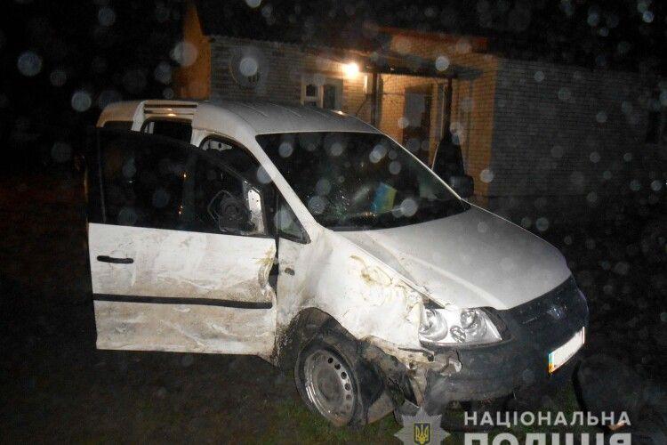 Смертельна ДТП на Рівненщині: селянин під час руху випав із автомобіля