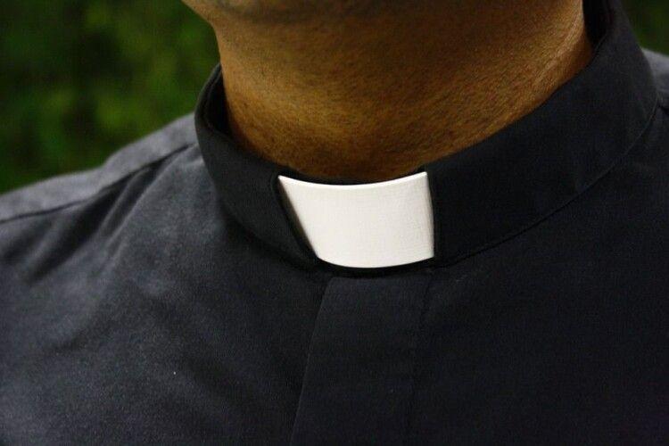 Священник напився, викликав поліцію, отримав протокол