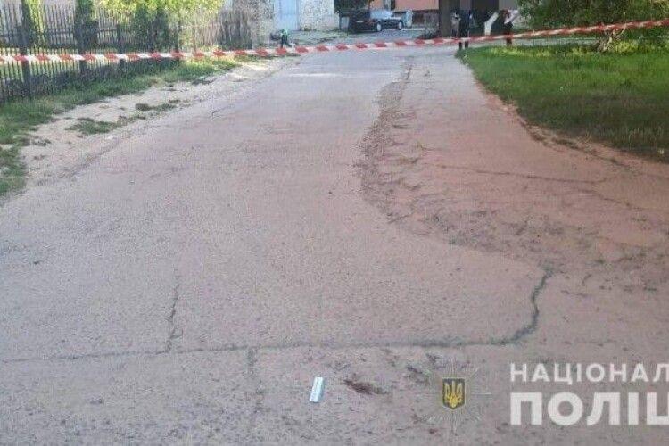 Підлітку, який вдарив ножем знайомого у Луцьку, повідомили про підозру