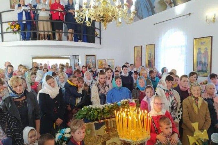У селі на Волині прихильники УПЦ менше, як за рік, побудували собі церкву (Фото)