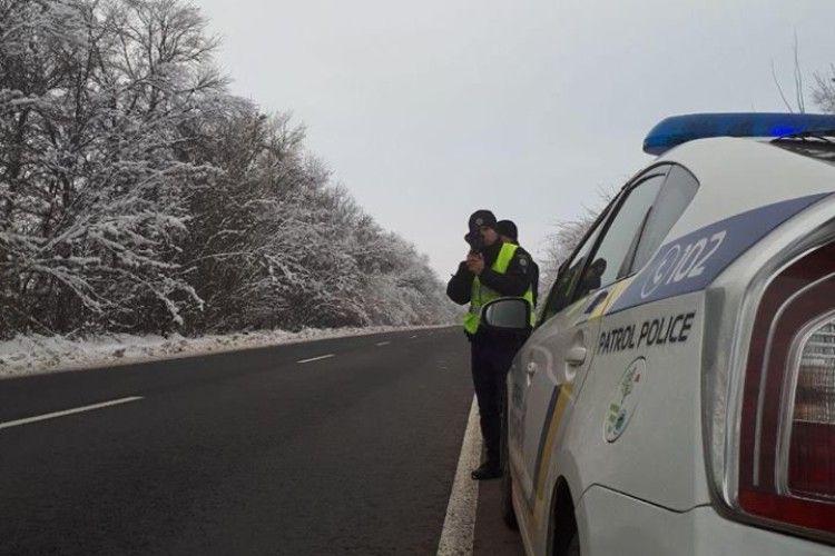 На дорогах Волині працюють патрульні з приладами TruCam