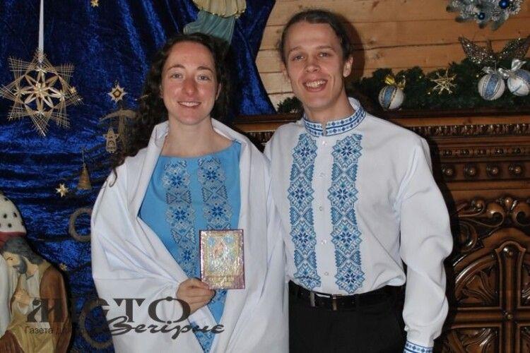 Американка прийняла на Волині хрещення, аби сповідувати разом з коханим спільні цінності